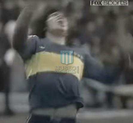 BocaJuniors_1981_Home_Adidas_24taFechaTorneoMetropolitanovsSanLorenzo_Campeon_ST_ML_10_DiegoMaradona_jugador_17