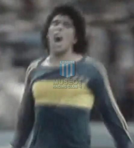 BocaJuniors_1981_Home_Adidas_24taFechaTorneoMetropolitanovsSanLorenzo_Campeon_ST_ML_10_DiegoMaradona_jugador_19