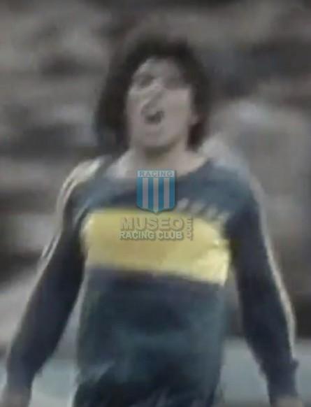 BocaJuniors_1981_Home_Adidas_24taFechaTorneoMetropolitanovsSanLorenzo_Campeon_ST_ML_10_DiegoMaradona_jugador_20