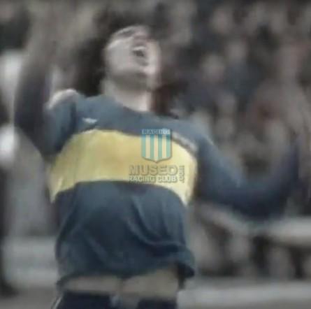 BocaJuniors_1981_Home_Adidas_24taFechaTorneoMetropolitanovsSanLorenzo_Campeon_ST_ML_10_DiegoMaradona_jugador_21