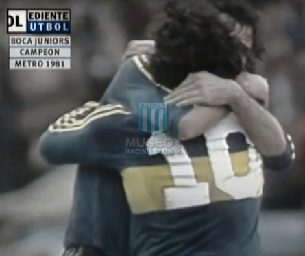 BocaJuniors_1981_Home_Adidas_24taFechaTorneoMetropolitanovsSanLorenzo_Campeon_ST_ML_10_DiegoMaradona_jugador_23