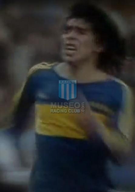 BocaJuniors_1981_Home_Adidas_24taFechaTorneoMetropolitanovsSanLorenzo_Campeon_ST_ML_10_DiegoMaradona_jugador_34