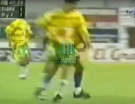 DefensayJusticia_2001_Home_Olan_PintureriasRex_MC_5_GustavoChacoma_jugador_01