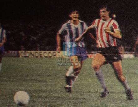 EstudiantesLP_1983_Home_Topper_Campeon_MC_10_AlejandroSabella_jugador_01