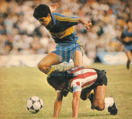 EstudiantesLP_1985_Home_Topper_MC_5_MiguelRusso_jugador_03