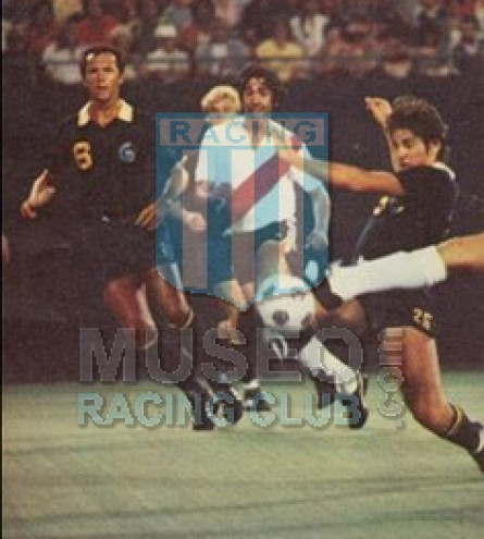 NewYorkCosmos_1980_Away_Ellese_FriendlyvsRiverPlate_MC_6_FranzBeckenbauer_jugador_01