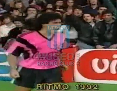 RitmoDeLaNoche_1992_Home_Adidas_CocaCola_F4FinalvsJugateConmigo_MC_10_DiegoMaradona_jugador_01