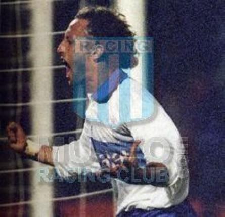 UniversidadCatolica_1997_Home_Lotto_Parmalat_CampeonTorneoApertura_ML_8_RicardoLunari_jugador_01