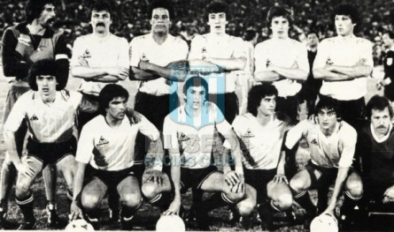 Uruguay_1983_Home_LeCoqSportif_Friendly_MC_13_NestorMontelongo_jugador_01