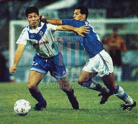 VelezSarsfield_1994_Home_Umbro_Samsung_1raFaseCopaLibertadores_MC_9_OmarAsad_jugador_01