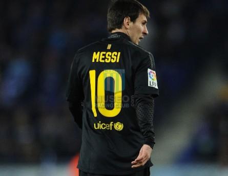 FCBarcelona_2011-12_Away_Nike_QatarFoundations_LFP-CopaDelRey_MC_10_LionelMessi_jugador_02