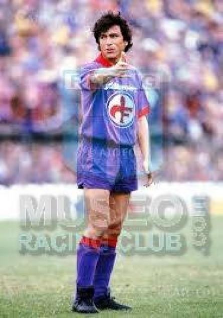 Fiorentina_1982-83_Home_SorelleTortelli_JDFarrows_SeriaA_MC_6_DanielPassarella_jugador_01