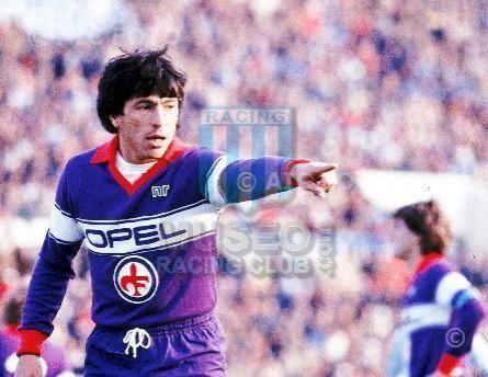 Fiorentina_1983-84_Home_NR_Opel_SerieA-CoppaItalia_ML_6_DanielPassarella_jugador_01