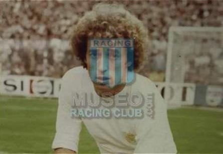 RealMadrid_1977-78_Home_Monthalt_CampeonLigaEspana_ML_2_EnriqueWolff_jugador_01
