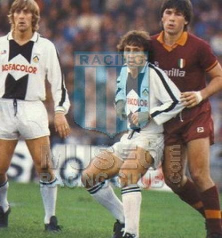 UdineseCalcio_1983-84_Home_Americanino_Agfacolor_ML_10_Zico_jugador_01