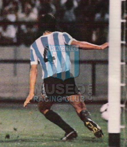 Racing_1982_Home_Sportlandia_MC_jugador_01