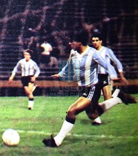 Racing_1983_Home_Nanque_FinalVtaProyeccion86vsNewells_ML_10_GabrielDeAndrade_jugador_11