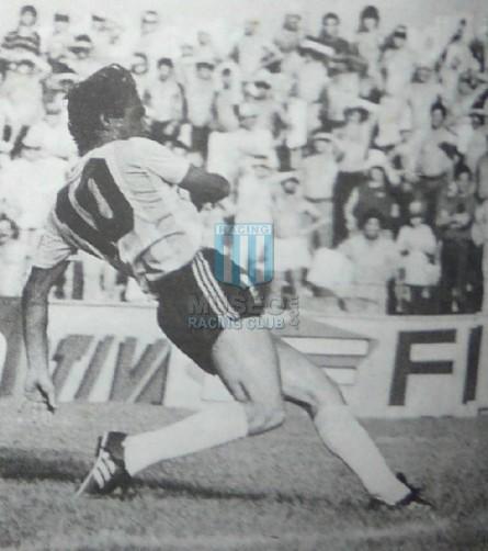 Racing_1987-88_Home_Adidas_Nashua_MC_10_MiguelColombatti_jugador_01