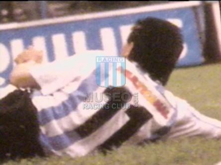 Racing_1994_Home_Adidas_Multicanal_MC_11_Albornoz_jugador_01