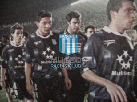 Racing_1997_Away_MulticanalLibertadores_jugador_01[1]
