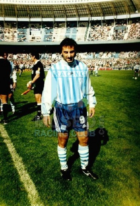 Racing_1998-99_Home_Adidas_ML_9_DiegoLatorre_jugador_01