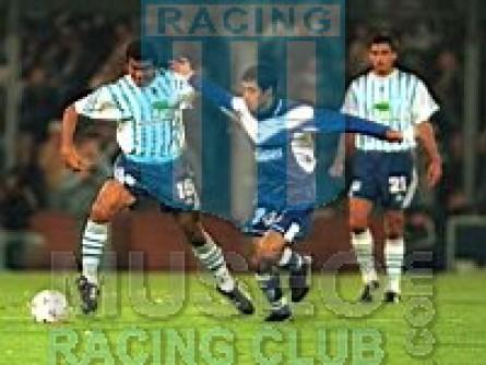 Racing_1999-00_Home_15_jugador_01[1]