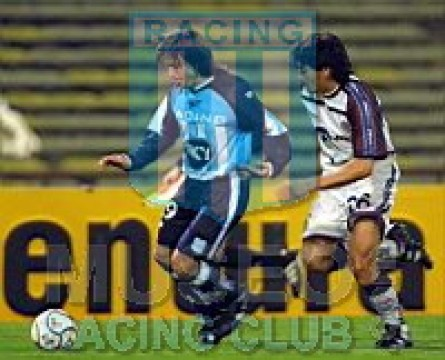 Racing_2001-02_Home_Sky_ML_jugador_01