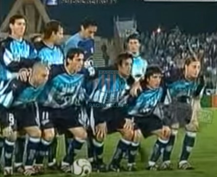 Racing_2001_Home_Topper_Sky_AP01vsTalleresCba_PT_ML_6_ClaudioUbeda_jugador_03