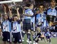 Racing_2001_Home_Topper_Sky_FriendlyvsGuarani_FestejoCampeonAP01_MC_22_MaximilianoEstevez_jugador_22