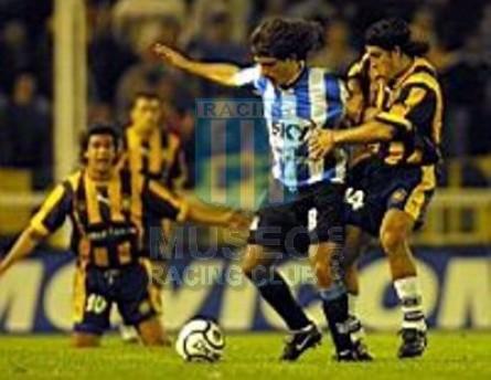 Racing_2001_Home_xx_Sky_AP01vsRosarioCentral_MC_8_GustavoBarrosSchelotto_jugador_12