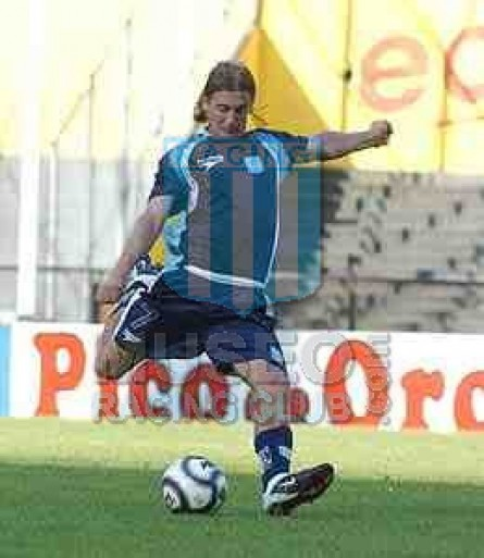 Racing_2002-03_Away_7_Bastia_jugador_01[1]