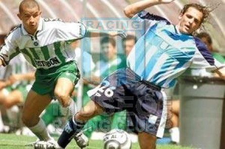Racing_2002_Home_Topper_GiraMiami-Mexico_MC_18_MartinVitali_jugador_01