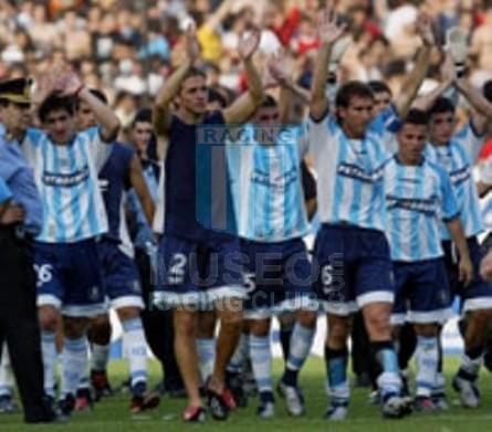 Racing_2003_Home_Topper_Petrobras_AP03vsIndependiente_ST_MC_22_MaximilianoEstevez_jugador_13