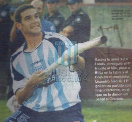 Racing_2004_Home_Topper_Petrobras_MC_15_LisandroLopez_jugador_01