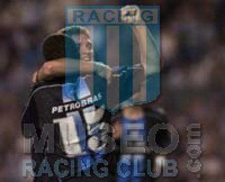 Racing_2005_Away_Topper_Petrobras_CL05_Firmada_MC_15_LisandroLopez_jugador_02