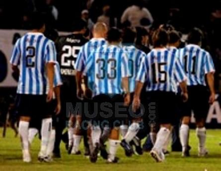 Racing_2007_GKNegro_Nike_BancoMacro_CL07_ML_25_GustavoCampagnuolo_jugador_12