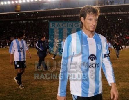 Racing_2008_Home_Nike_BancoMacro_TorneoClausura_ML_9_FacundoSava_jugador_01