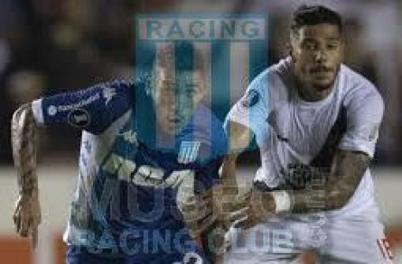 Racing_2018_Away_Kappa_RCA-BC_4taFCopaCONMEBOLLibertadoresvsVascoDaGama_PT_MC_22_AdrianCenturion_jugador_12