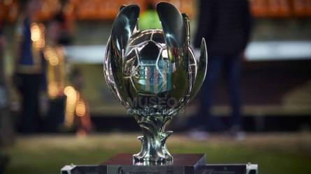 Racing_2019_Medalla_Subcampeon_FinalSupercopaArgentinavsRiverPlate_jugador_02
