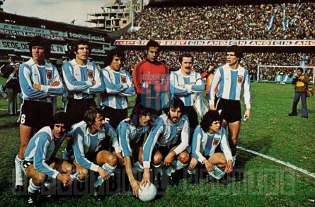 Argentina_1977_Home_Adidas_Friendly_ML_Equipo_jugador_02