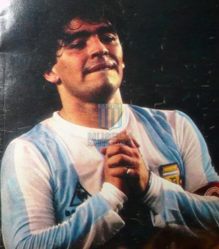 Argentina_1985_Home_LeCoqSportif_QualyMexicoWCvsColombia_ML_10_DiegoMaradona_jugador_01