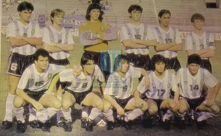 Argentina_1991_Home_Adidas_QFU17ItalyWCvsAustralia_MC_13_ArielZapata_jugador_01