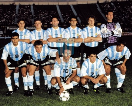 Argentina_1994_Home_Adidas_FriendlyvsChile_MC_5_HugoPerez_jugador_11