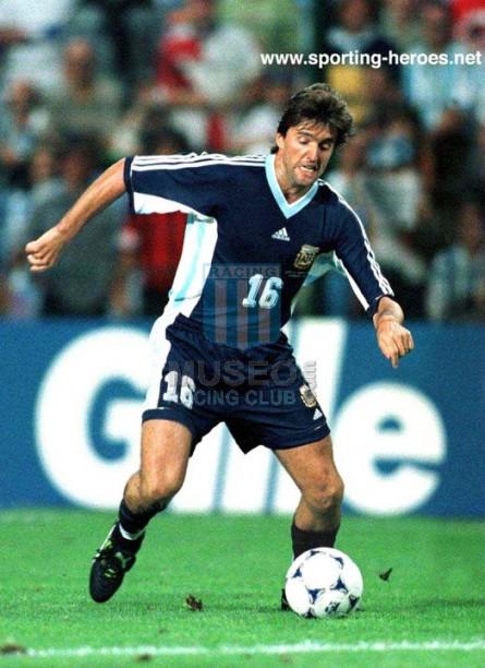 Argentina_1998_Away_Adidas_FranceWC_ML_16_SergioBerti_jugador_01