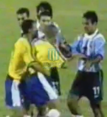 Argentina_1999_Home_Reebok_CopaAmericavsBrasil_MC_17_GustavoLopez_jugador_05