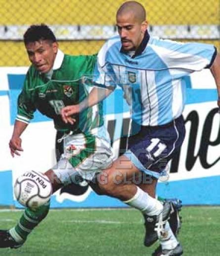 Argentina_2001_Home_Reebok_MC_11_JuanVeron_jugador_01