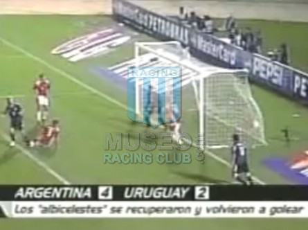Argentina_2004_Away_Adidas_CopaAmericavsUruguay_ML_7_JavierSaviola_jugador_01