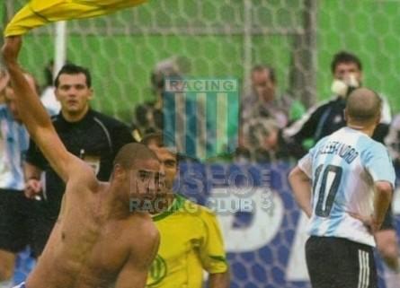 Argentina_2004_Home_Adidas_FINALCopaAmericavsBrasil_MC_10_AndresDAlessandro_jugador_07